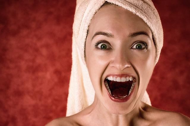 Zapalenie dziąseł – stan ostrzegawczy dla twoich zębów