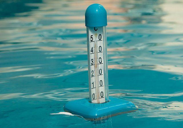 Termometr do wody czy obłędne śpioszki z różową koronką? Nie komplikuj, wybierz praktycznie i ciesz się czasem spędzonym z maleństwem