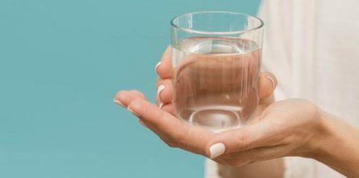 Woda wodorowa – jakie są korzyści z jej stosowania?